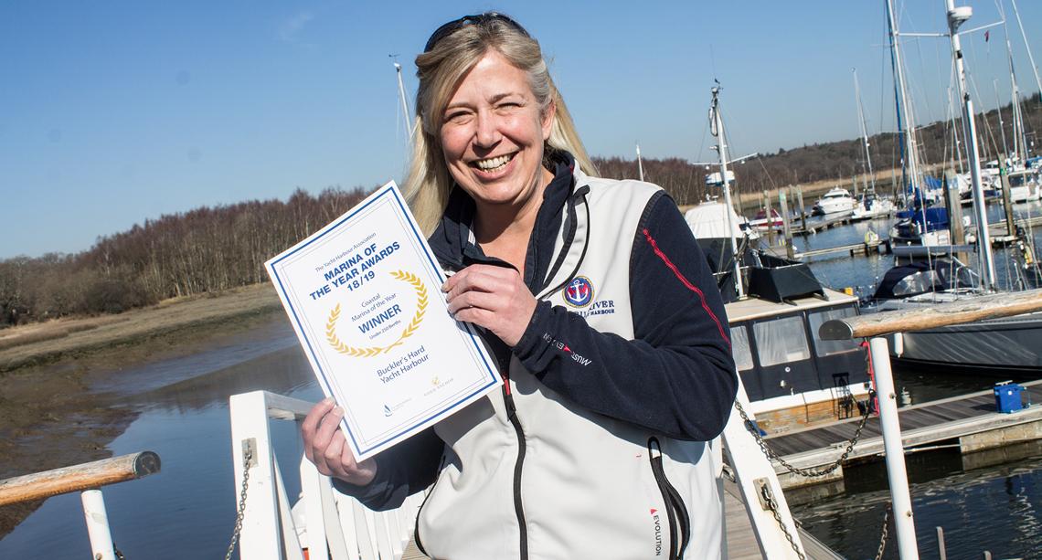 Wendy Stowe with winner certificate